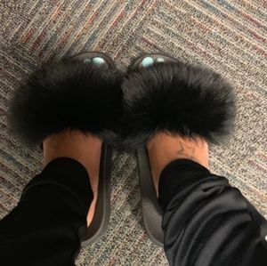 Women's black fur slides